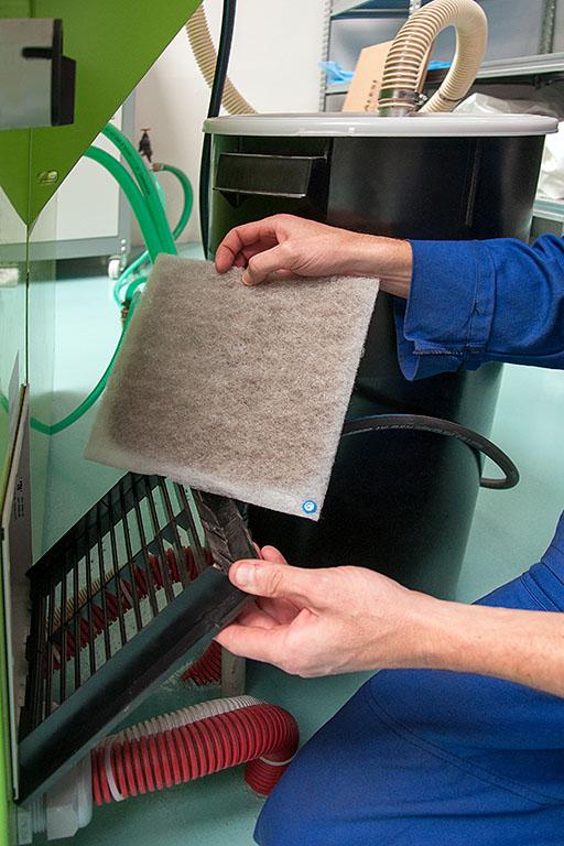 Znečištěný filtr vstřikovacího stroje
